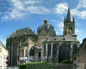 ロマネスク様式のアーヘン大聖堂(ドイツ)