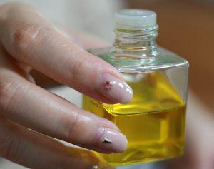 ホホバのオイル / 美容のための利用で効果が高い。