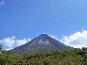 アレナル火山(国立公園)(コスタリカ)