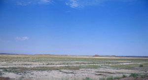 ベットパックダラ砂漠 / バルハシ湖の近く(カザフスタン)